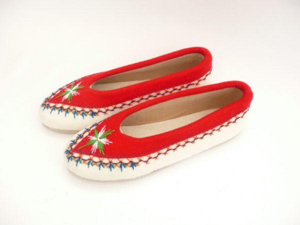 pantofle-filcowe-czerwone