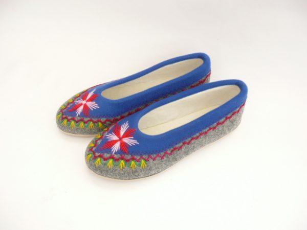 pantofle-filcowe-niebieskie